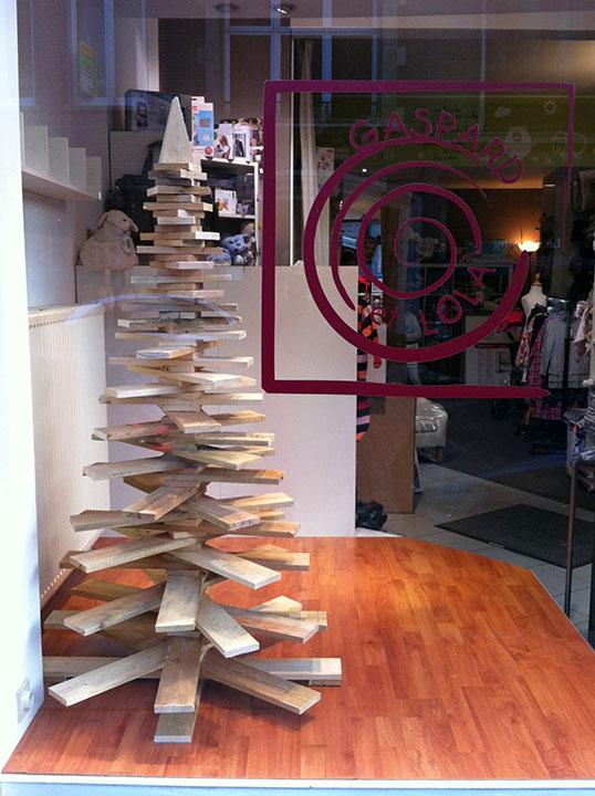 Un sapin de Noël en bois de palette  TravaillerLeBoiscom ~ Sapin Noel Bois