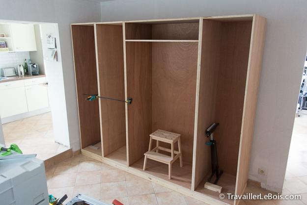 construire un placard entree - Fabriquer Un Placard Avec Portes Coulissantes
