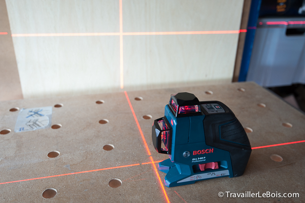le niveau laser bosch gll 3 80 p travailler le bois. Black Bedroom Furniture Sets. Home Design Ideas