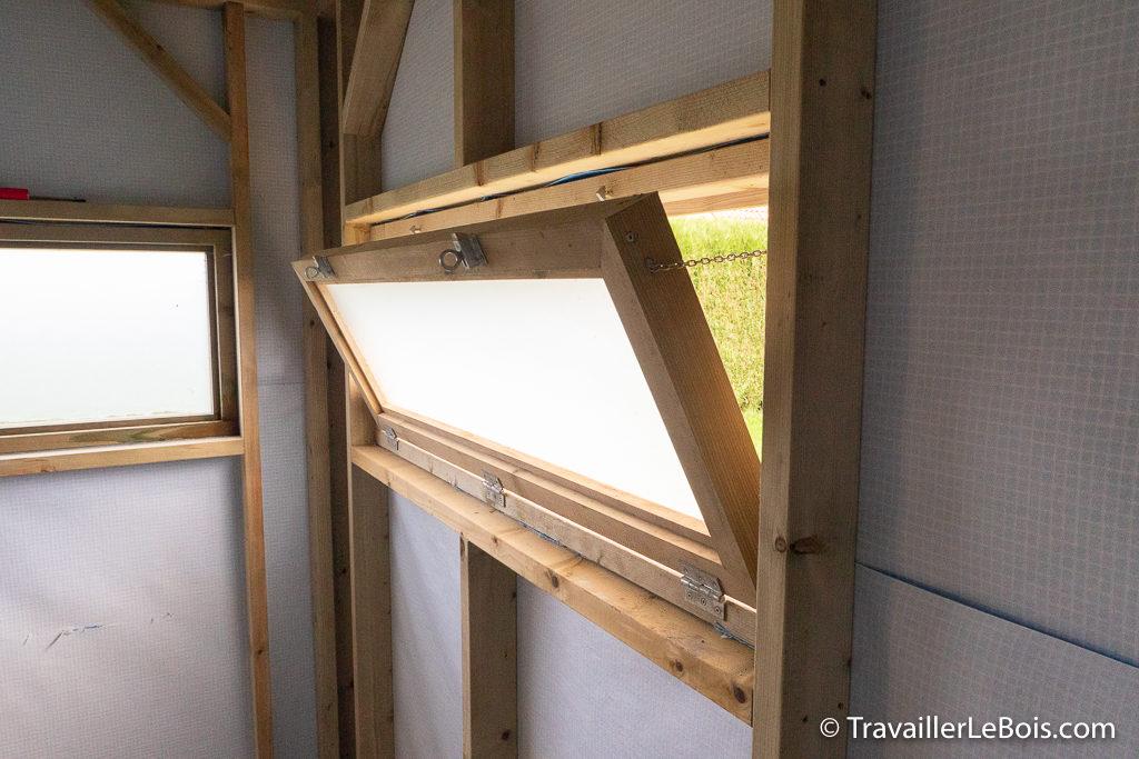Fenêtre atelier bois en sapin rouge du nord